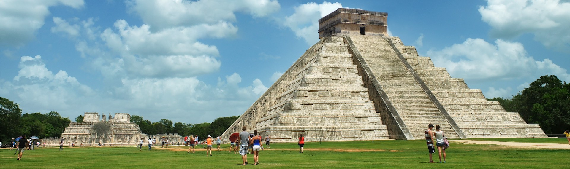 Tours by the Pyramid of Chichen Itza and its ancient Mayan ruins.