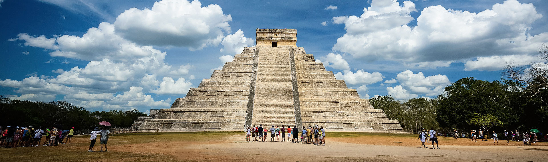 Meet the pyramids on a Chichen Itza tour