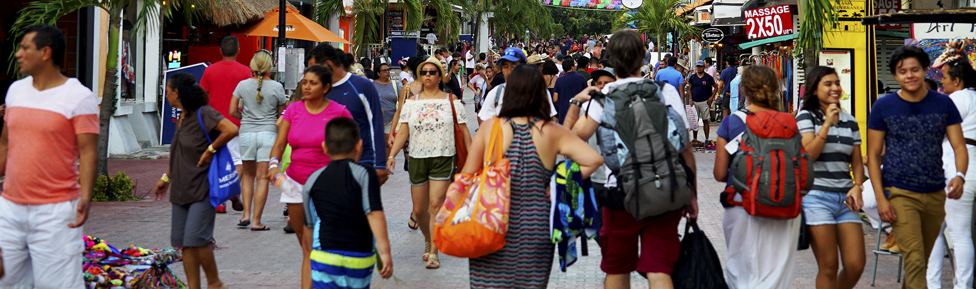 People touring the 5th avenue of Playa del Carmen