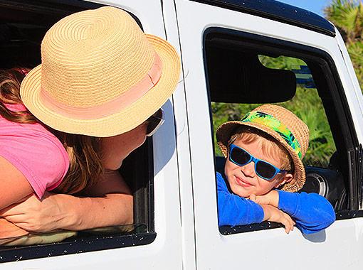 a family going through Cancun by car